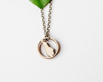 Kentucky Ring Pendant Necklace, Laser Cut Wood Charm Baltic Birch Pendant Kentucky State Necklace State Shape Necklace
