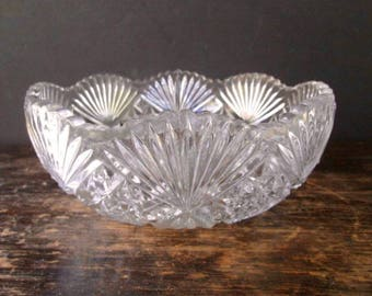 Sale Shell & Quilt Pattern Pressed Glass Salad Bowl