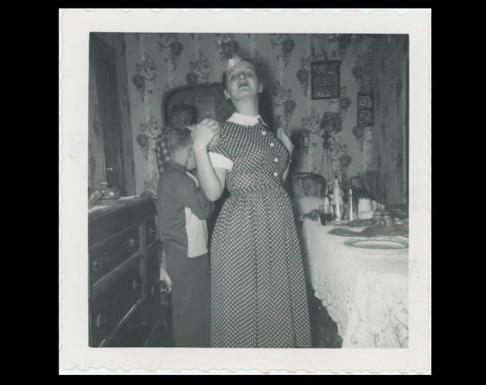 Vintage Snapshot Photo: Drama Queen, c1950s (74567)