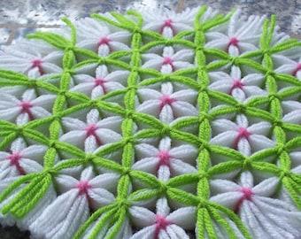 Rétro cuisine tissé Trivet, treillis de cerisiers en fleurs, fil manique, tapis de filé de portion, fil Trivet, tissage, fleur manique Lime vert Trivet