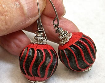 Vintage Chinese Rare RED BLACK STRIPED Cinnabar Focal Bead Dangle Drop Earrings,Handmade Oxidized Sterling Silver Ear Wires