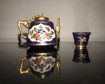 Dolls House Miniature Teapot and cup Teapot 3.5cm tall