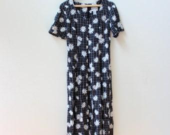 Black Daisy 90s Midi Dress