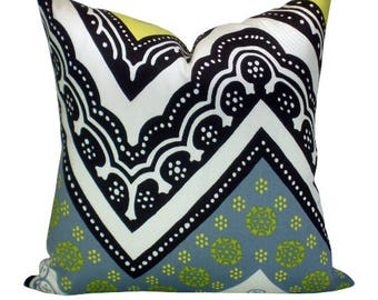 OUTDOOR - Tangier Frame Print pillow cover in Driftwood