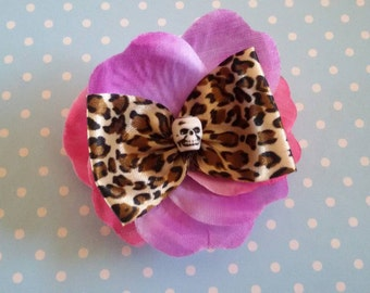 Hair clip and brooch rockabilly style