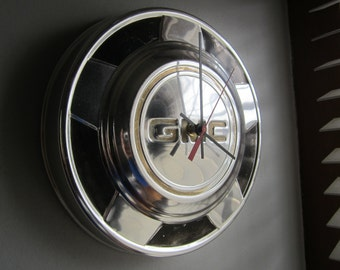 1970s GMC Truck Hubcap Clock no.2242