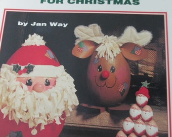 """K Vintage Decorative Tole painting """" Scrambled Eggs for Christmas"""" 1994  used booklet 28 pages"""