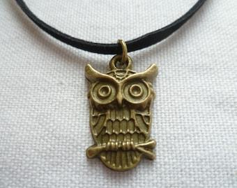 Owl choker,owl jewellery,owl necklace,gift,handmade,small owl,black choker,bird jewelry,bronze owl,suede cord choker,owl charm