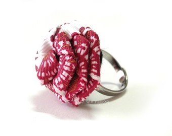 Glittery Pink Floral Ring
