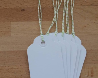 Pack of 6 handmade tags with a bumble bee