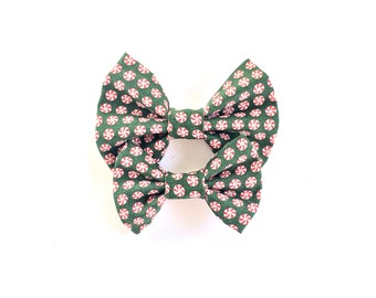 Pretty Peppermint Holiday Bow