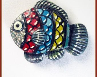 Broche artesanal de pez, pez de colores para chaqueta, broche hecho a mano, broche pin regalo boda, regalo amante de los animales, broches