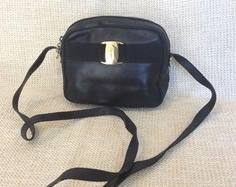 Genuine vintage fashionable Salvatore Ferragamo Vara black leather shoulder bag crossbody