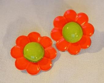 ON SALE: Vintage Flower Earrings - 1960s or 1970s, Orange and Green, Enamel over Metal, Clip Earrings