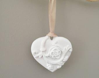 Pretty heart ceramic arabesque size 7 x 7.5 cm