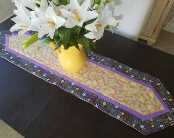 Easter Table Runner, Spring Table Runner, Easter Egg Table Runner, Quilted Table Runner, Centerpiece, Tablescape, Home Decor, Happy Easter