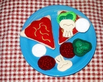 Felt play food - pretend food - play kitchen food - 1 slice of Pizza - play kitchen - gift for children - eco friendly toy #PF2560 -1