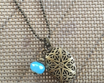 Blue Beaded Essentil Oil Diffuser Necklace, Aromatherapy Necklace.  AB0180
