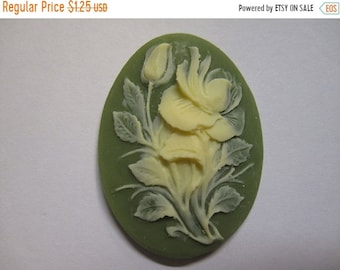 ON SALE Ivory Hibiscus Flower Acrylic Green Vintage Look Cameo Jewelry Cabochon Pendant 40mm x 30mm