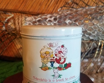 """Vintage Strawberry Shortcake """"Friendship is a Treat to Share"""" Round Tin Box with Lid 1982 American Greetings Corporation"""