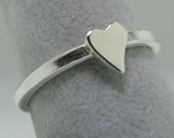 Heart Motif Trinket Ring- Stackable