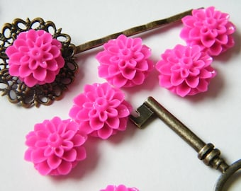 12 x Bright Pink Chrysanthemum Mum Resin Flower Resin Cabochon Cameo for Bobby Pins and Rings 15mm