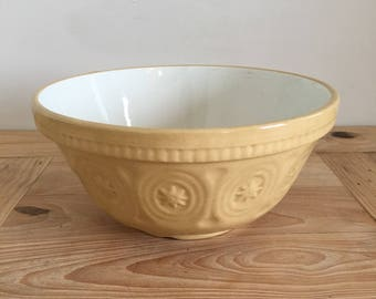 1950's Vintage Baking Bowl 7.5 Inch / 19cm Diameter Made In England