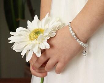 Pearl Flower Girl Bracelet - Flowergirl Gift - Pearl Charm Bracelet - Bridesmaid Gift - Layla