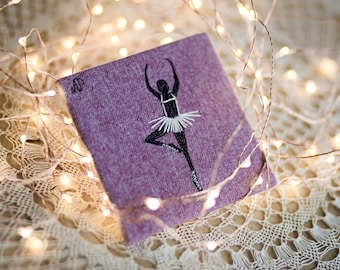 ballerina II - drawing with thread on tiny canvas