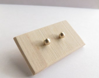14K Yellow Gold Ball studs. Solid gold studs. 14K Solid Gold Stud Earrings. Minimalist Gold Stud Earrings. Simple stud earrings. Gold studs.