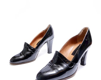 Reserved Deb Size 7 37 // Vintage 1970's Made in Italy  Black Patent Leather Pumps// Black Shoes// 115