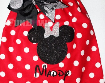 AWESOME Set Minnie Bow and Bag set customized ! Great Price !! By FunBows
