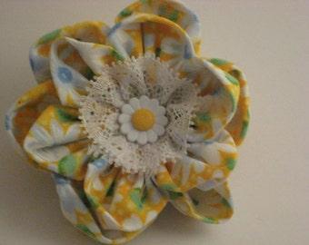 Daisy Yellow Ponytail