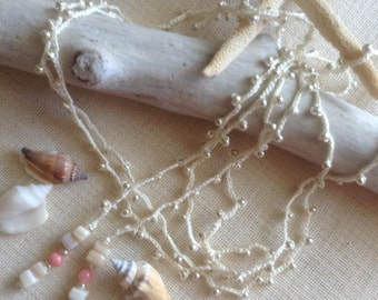 Beaded Lariat Necklace with Shells