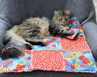 Cat Bed, Cat Quilt, Small Dog Bed, Couch Cover, Pet Blanket, Dog Beds, Sofa Cover, Pet Bed, Pet Accessories, Handmade Dog Bed, Pet Quilt