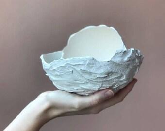 Decorative concrete bowls