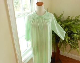 Vintage ShadowLine Robe Size Medium Vintage  Lingerie