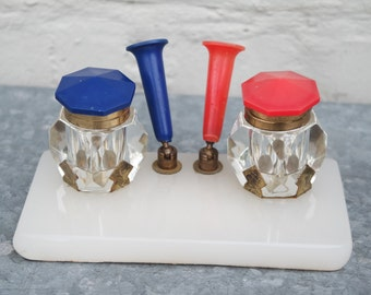 Vintage 70s red and blue writing set: 2 inkwells, 2 penholders
