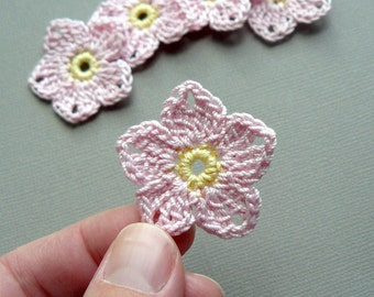 10 Pink Flower Appliques -- 1-1/2 inch Crochet Flax Flowers