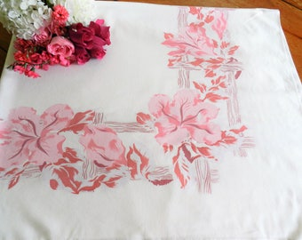 Pink Tablecloth, Cottage Tablecloth, 1950s Tablecloth, Pink Floral Tablecloth, Retro Tablecloth, CUTTER
