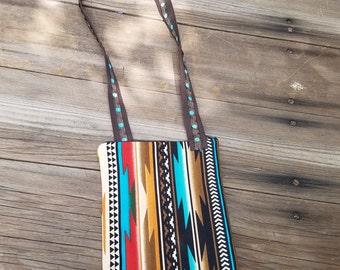 Southwestern Print Cross Body Bag/Purse with zipper closure.   FREE SHIPPING