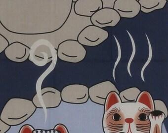 Beckoning Cat Tenugui Japanese Cat Fabric 'Maneki Neko Family Hot Spring Vacation' w/Free Insured Shipping