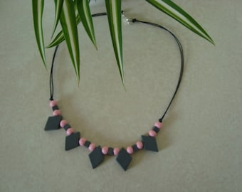 Gray and pink wooden beads necklace
