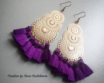 Earrings with filigree and tassels