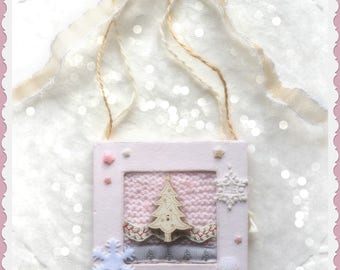 "small frame - wool and poetry: ""tree love"" lace star shabby rose tree beads"