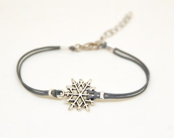 Valentines gift, Snowflake bracelet, women bracelet with silver snow flake charm, gift for her, gift exchange, gift for mom, winter jewelry