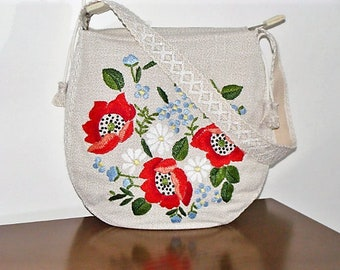 Shoulder bag, with floral embroideries, in upholstery fabric, 2 tassels of fringes of adornment. Handmade, unique specimen. of craftsmanship.