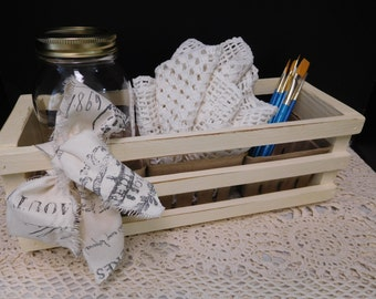 Wood Crate with 3 Berry Baskets, Hand Painted Ends Fleur Di Lis Stenciled, Homespun Fabric Tied, Storage, Display, Original, ECS