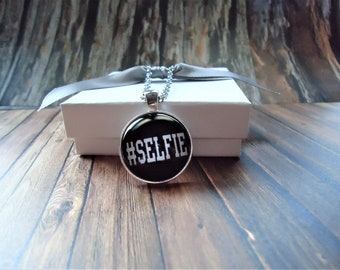 SELFIE Black Necklace or Key-chain | Selfie, Picture, Profile Picture, Hashtags, Hashtag Gift, Selfie Gift, Self Portrait, Smartphone