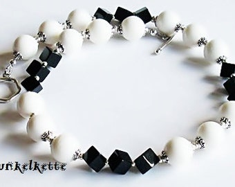 Necklace black white chain with pearl black white gemstone necklace white coral black Onyxwürfel diagonal silver color Bead Caps